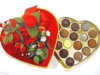Velvet Heart Box with Floral Bouquet 138 pieces