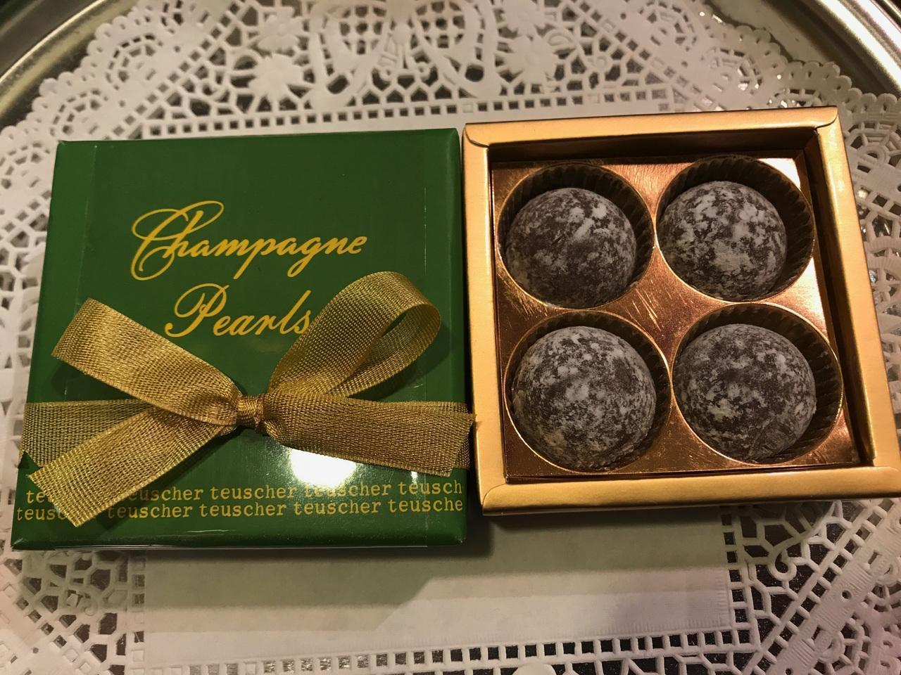 Promotion: Champagne  Pearls - 4 pieces Box